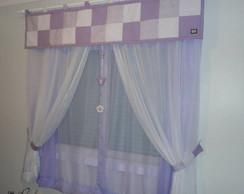 Cortina de patchwork com m�bile