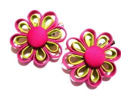 PAR bico de pato com flor PINK e VERDE