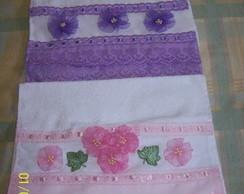 Toalhas de lavabo bordadas com flores