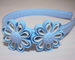 Tiara azul e branco