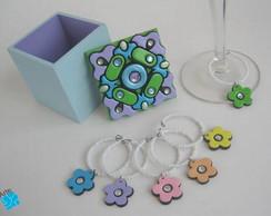 Caixa decorada com 6 marcadores de ta�a