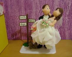 topo de bolo noiva no colo do noivo