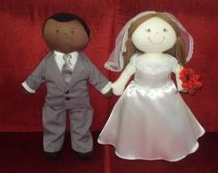 Casal de bonecos noivos