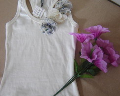 Blusa com aplica��o de Flores