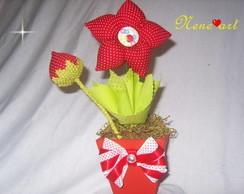 Vaso com flor de fuxico moranguinho