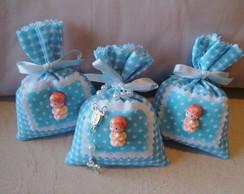 Sache saquinho azul com beb� em biscuit