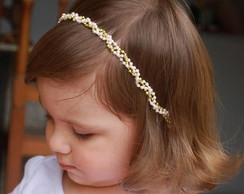 Faixa infantil tran�ada p�rolas&dourado
