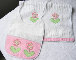 Conj. toalha e babador - menina