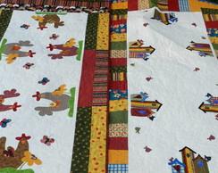 Toalha de mesa em patchwork e aplica��es