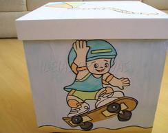 caixa de brinquedos menino