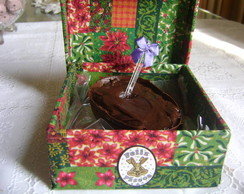 caixa com Ovo de P�scoa c/ brigadeiro