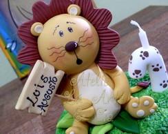 Topo de bolo com vela Le�ozinho Luis