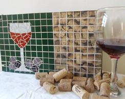 Caixa para ta�as e garrafa de vinho