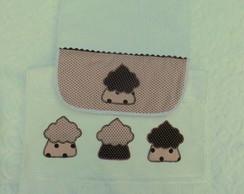Conjunto toalha babador bordada