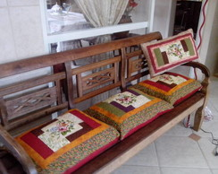 Almofadas para bancos de madeira