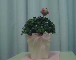 Vaso em MDF decorado com buchinho