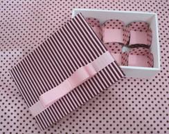 Caixa Marrom c/Rosa c/ Forminhas
