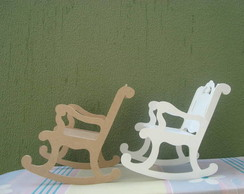 cadeira de balan�o de boneca.