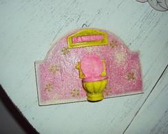 Placa banheiro pink e verde