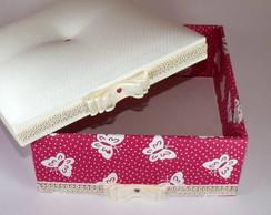 Caixa com estampa de borboleta