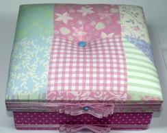 Caixa rosa com estampa geom�trica