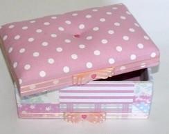 Caixa com tecido po� rosa