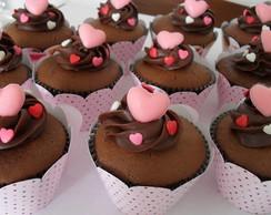 Cupcake decorado com bombom cora��o