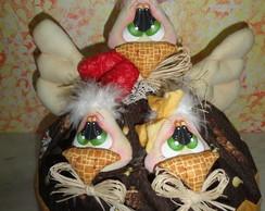 Cobre bolo Dona Galinha e seus pintinhos