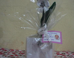 Lembran�a de batizado tulipa branca