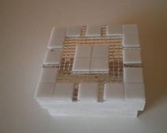 011: Caixa espelhada com mosaico