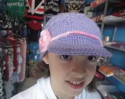 boina de croch� lil�s com flor rosa