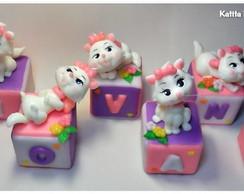Cubos para topo de bolo Gatinha Marie