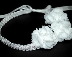 Faixa/headband renda guipir c/ 03 flores