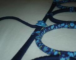 Porta len�o e cachecol azul florido