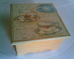 Caixa de ch� p�tina dourada
