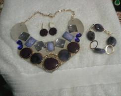 Maxi colar+brinco e pulseira.
