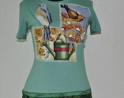 Camiseta com  2 p�ssaros e um  regador