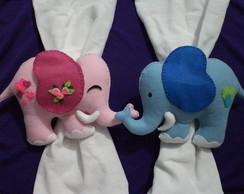 Prendedor de cortina casal de elefantes
