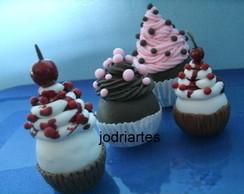 Cupcakes feitos em biscuit
