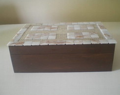 024: Caixa de com mosaico e espelho