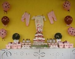 Mesa proven�al tema marrom e rosa