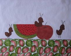 Melancia com formigas