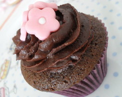 Cupcake decorado com flor de a��car