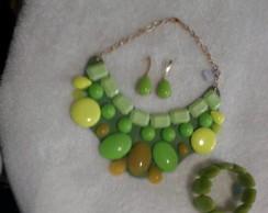 Conj.maxi colar+brinco e bracelete.