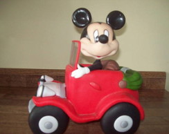 MICKEY NO CARRO