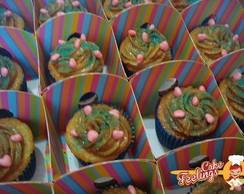 Cupcakes simples com cora��es e cachep�!
