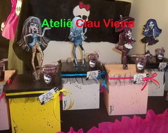 LEMBRAN�AS MONSTER HIGH COM TULE