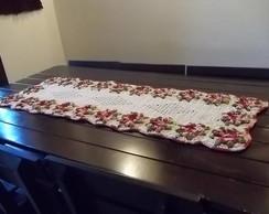 Caminho de mesa em croch� de barbante.