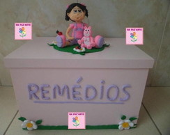 CAIXA DE REM�DIOS MDF COM BISCUIT