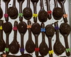 Docinho na colher de chocolate com la�o